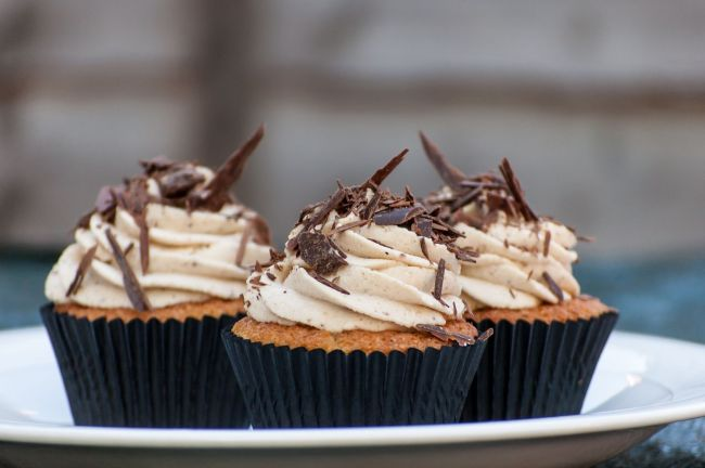 Vanilla Cupcakes with Chocolate and Chestnut Cream Frosting